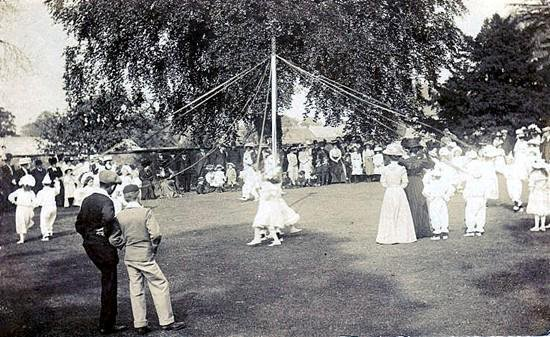 Maypole dancing at the Abbey Lawn in 1910